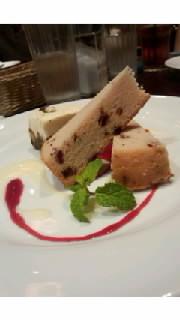 クランベリーケーキとティラミス.jpg