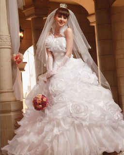 Wedding dress White rose.jpg