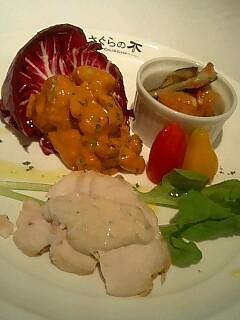 ローストチキンのツナソース、夏野菜のマリネ、海老とマメのカレー風味.jpg