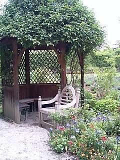 English Garden ピーター・ラビットの世界.jpg