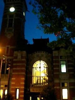窓の灯り.jpg